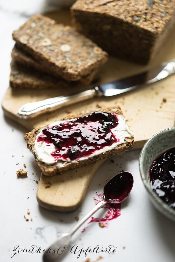 Glutenfreies Saaten-Nuss-Brot