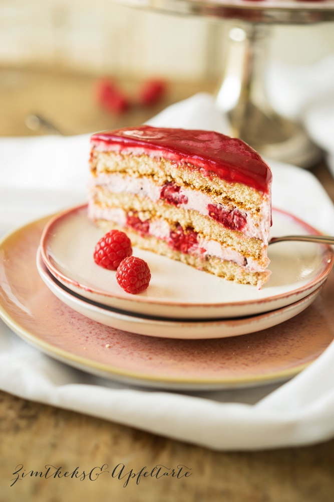 Himbeer-Frischkäse-Mascarpone-Torte super leckeres Rezept von Zimtkeksundapfeltarte.com