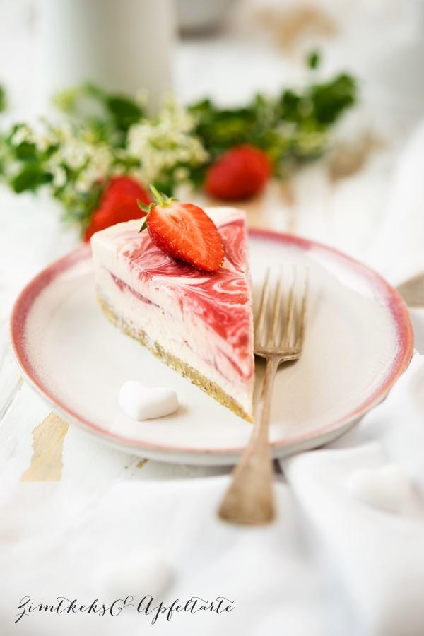 Marmorierter Strawberry Cheesecake low carb - Erdbeer-Cheesecake - lecker und einfach
