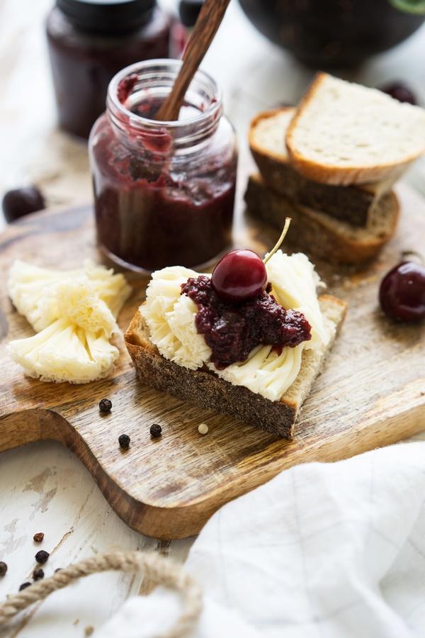 Kirsch-Balsamico-Chutney zu Tête de Moine AOP - leckeres Rezept auf ZimtkeksundApfeltarte.com