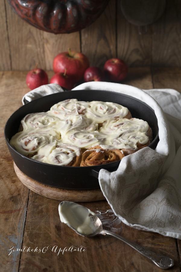 Cinnamon-Apple-Rolls - Köstlich backen mit Äpfeln - Andrea Natschke-Hofmann - ZimtkeksundApfeltarte.com