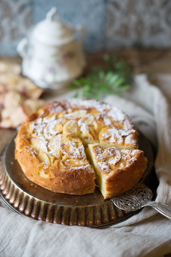Französischer Apfelkuchen – unglaublich saftig, fruchtig und einfach!
