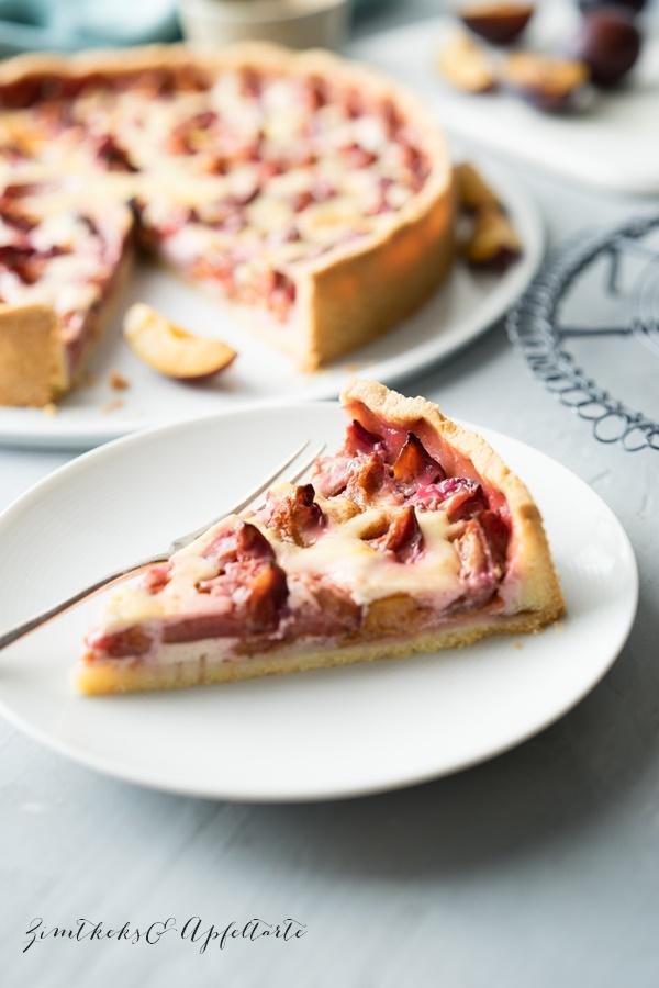Schneller Zwetschgenkuchen mit Schmandguss - einfaches und leckeres Rezept