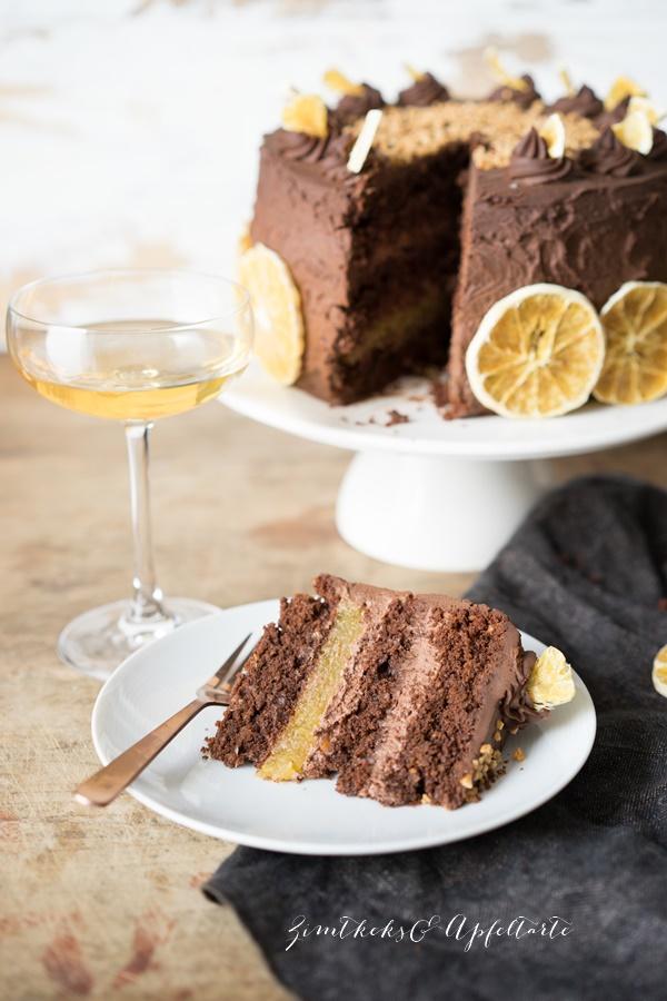 Schokoladen-Orangen-Torte mit Mandeln und Schoko-Ganache - Rezept von Zimtkeksundapfeltarte.com