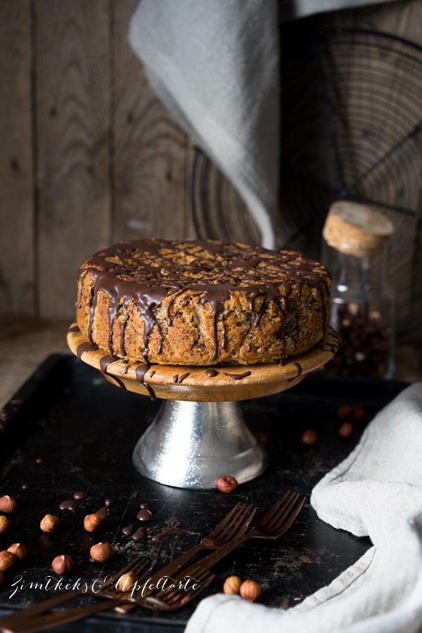 Glutenfreier Maronen-Haselnusskuchen mit Schokolade