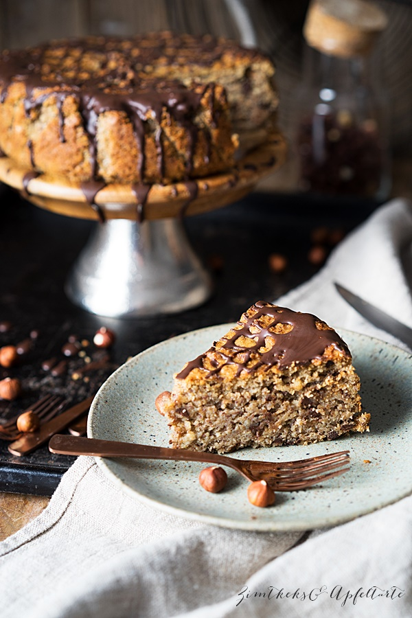 Glutenfreier Maronen-Haselnusskuchen mit Schokolade - Zimtkeks und Apfeltarte