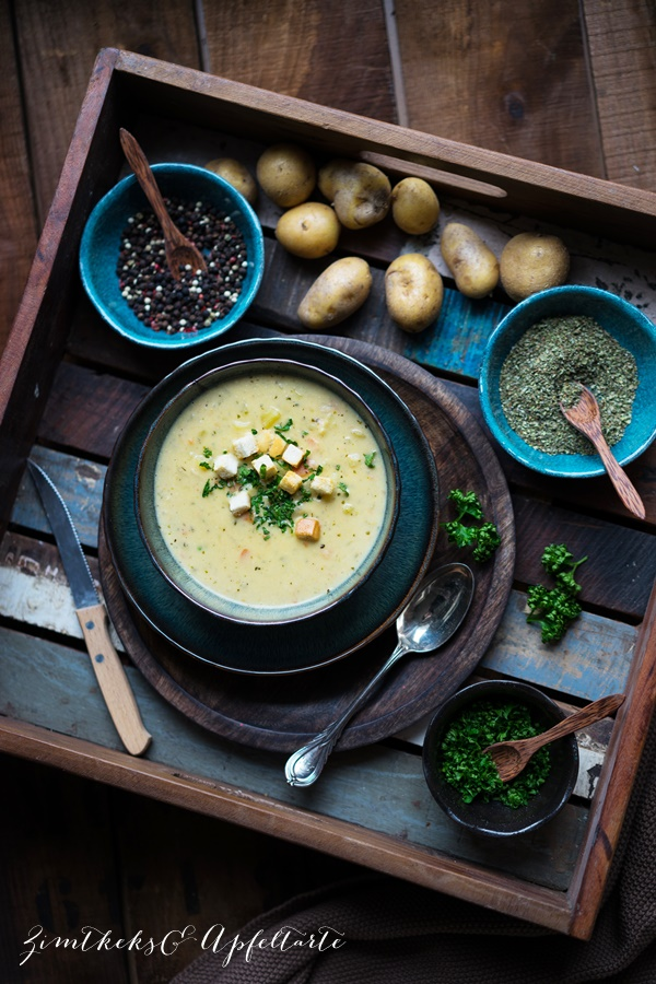 Schnelle vegetarische, cremige Kartoffelsuppe - Mom's cooking friday - Zimtkeks und Apfeltarte