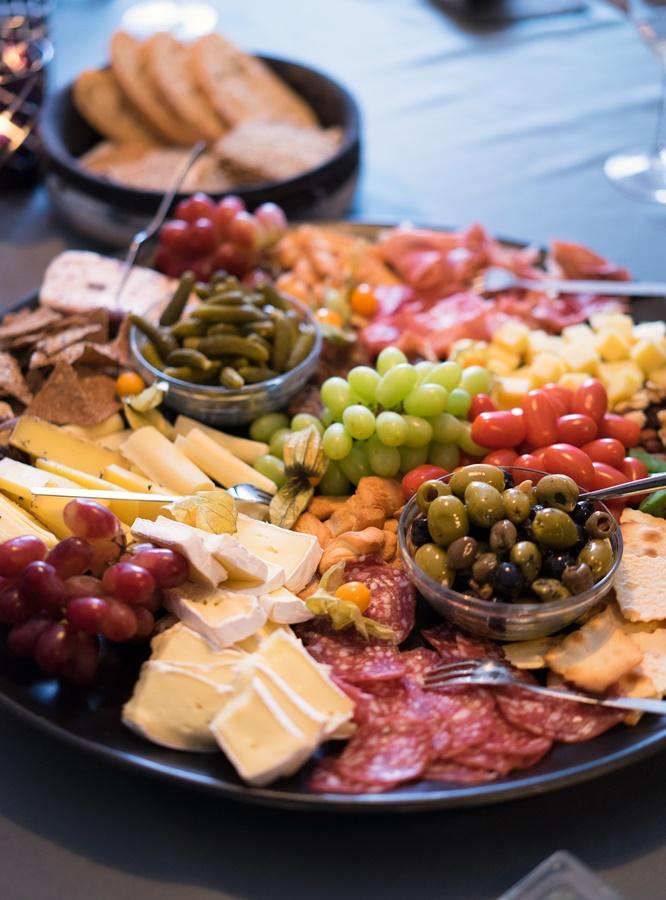 Cheeseboard oder: ein Abend mit guten Freundinnen bei einer Weinprobe