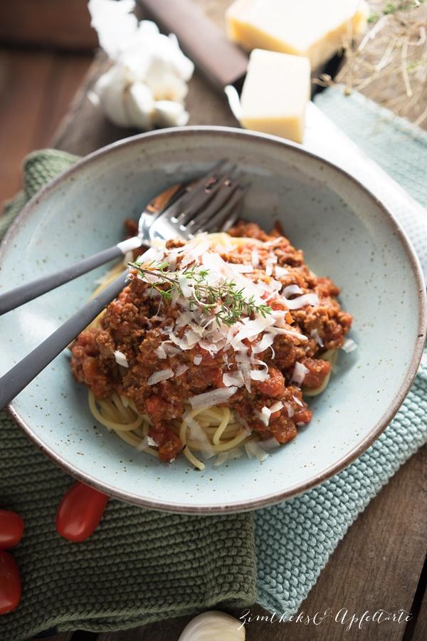 Pasta asciutta oder Spaghetti Bolognese - Rezept für den Klassiker - einfach und gelingsicher von ZimtkeksundApfeltarte.com