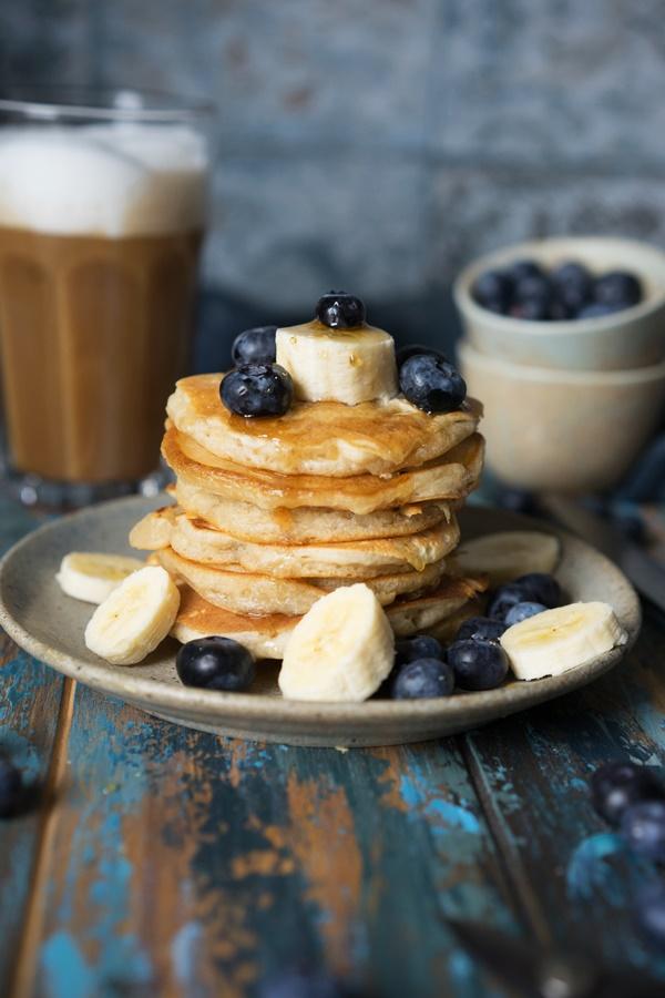 Vegane Pancakes mit Beeren - blitzschnelles Rezept von ZimtkeksundApfeltarte.com