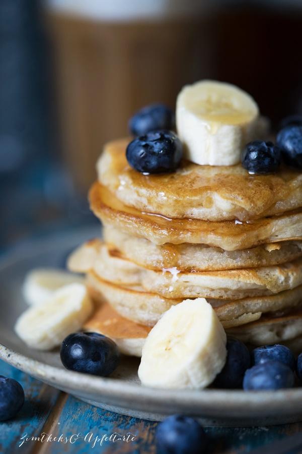 Vegane Pancakes mit Beeren - blitzschnelles Rezept