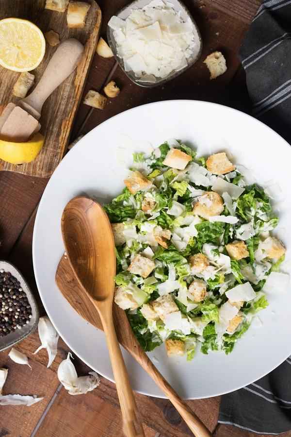 Rezepte für leckere und gelingsichere Sommersalate - Ceasar Salad