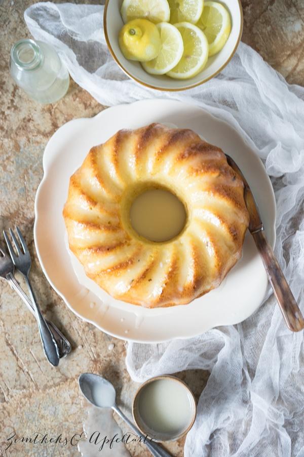 Weltbester saftiger Zitronenkuchen mit Joghurt ganz einfaches Rezept