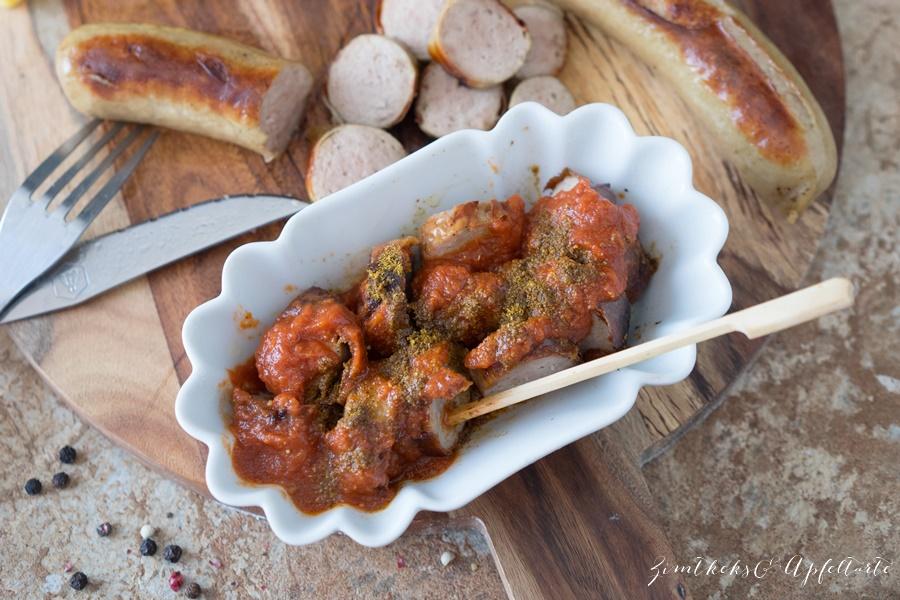 hausgemachte Currywurst-Soße mit knusprigen Pommes - gelingsicheres Rezept von Zimtkeksundapfeltarte.com