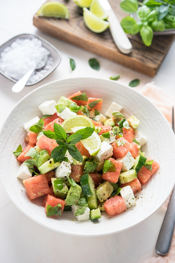 Rezepte für leckere und gelingsichere Sommersalate - Melone Feta Salat