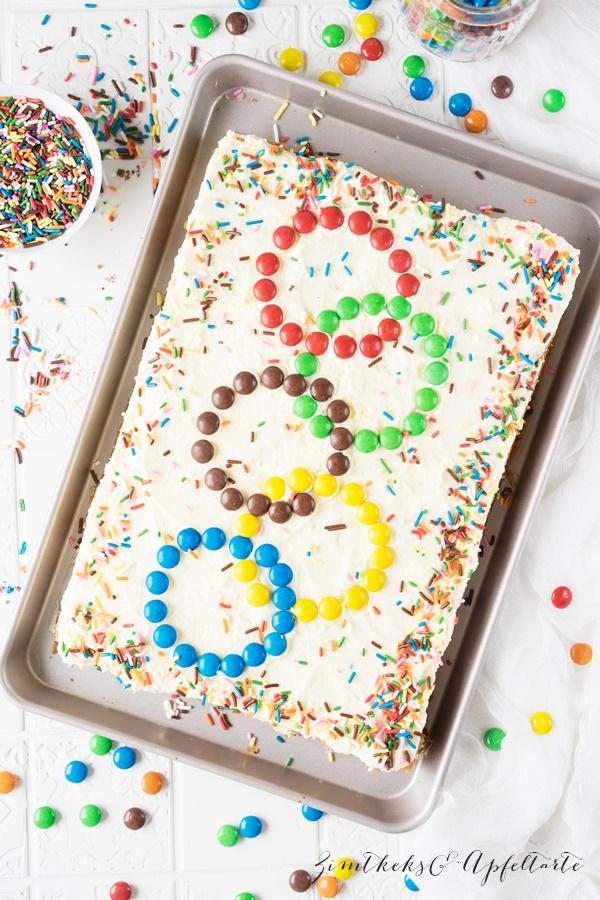 Funfetti-Kuchen - Sprinkle Cake - für die Kids-Party