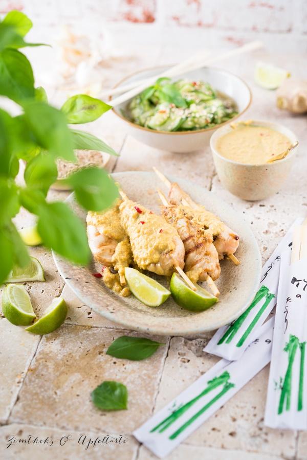 Saté Spiesse mit Erdnusssauce und Thai Gurkensalat