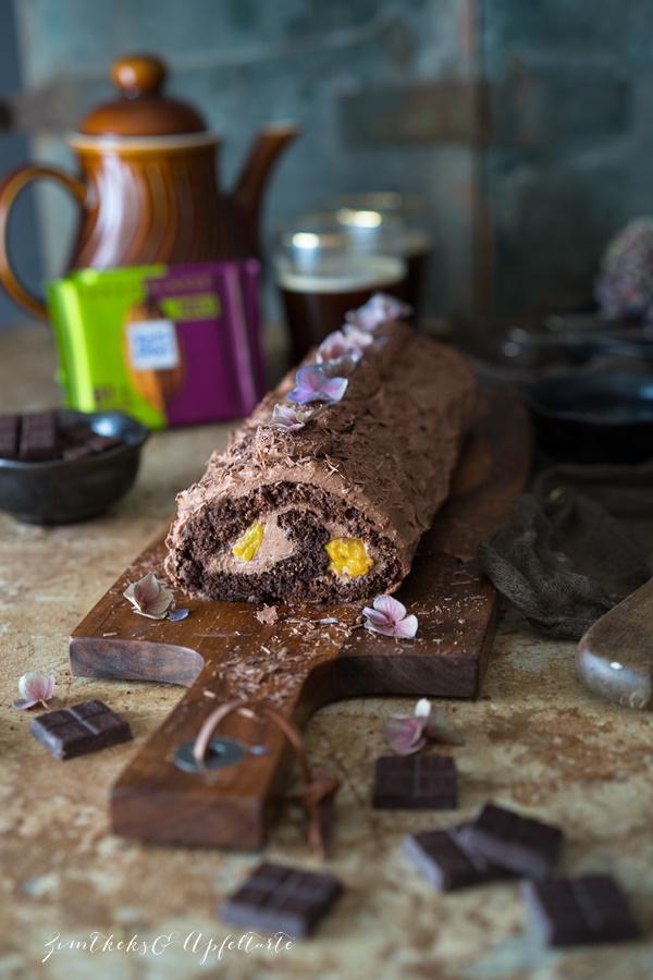Schokoladen Biskuitrolle mit Frischkäse-Schokoladenfüllung - einfaches Rezept