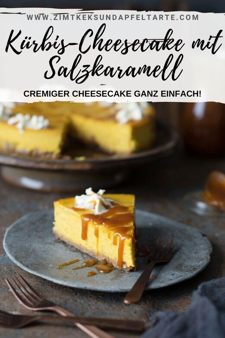 Kürbis-Cheesecake mit Salzkaramell - ganz einfaches und gelingsicheres Rezept für einen cremigen Cheesecake mit Kürbispüree und Pumpkin-Spice. Perfekt ergänzt mit einer hausgemachten Salzkaramell-Sauce