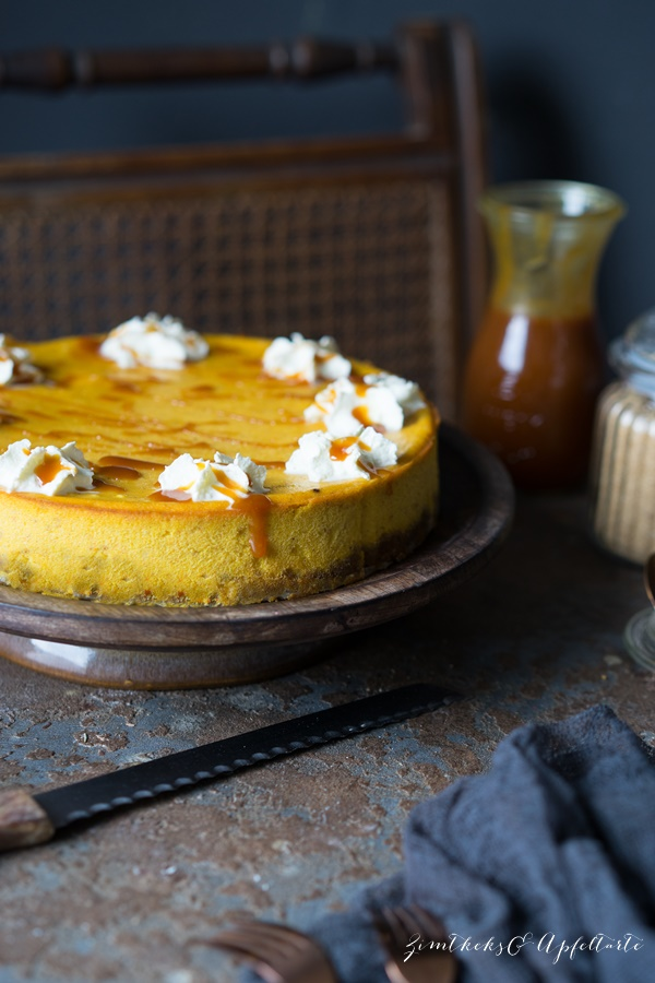 Leckeres und einfaches Rezept für Kürbis-Cheesecake mit Salzkaramell