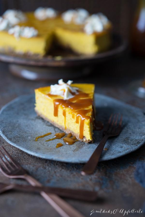 Lecker, cremig und einfaches Rezept: Kürbis-Cheesecake mit Salzkaramell