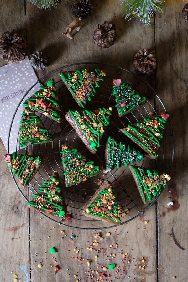 Dekorierte Lebkuchen-Tannenbäume - Zum Naschen und Verschenken - ganz einfach und gelingsicher