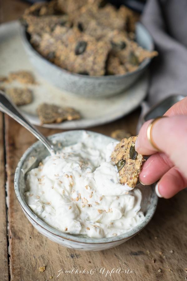 Vegane Dinkel-Leinsamen-Kräcker - Knusperbrot - einfach und schnell
