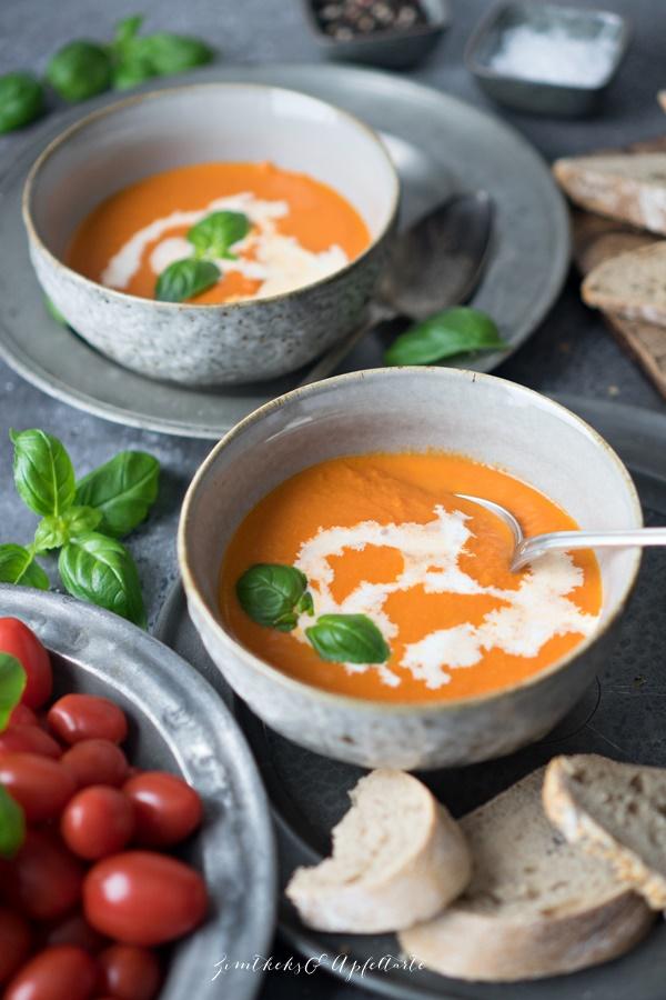 Vegane Tomatensuppe - cremiges Süppchen, schnell gemacht