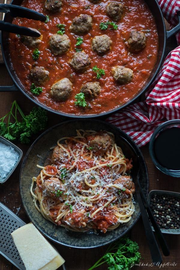 Ganz einfach und schnell Spaghetti and Meatballs - Blitzrezept für Fleischbällchen in Tomatensauce