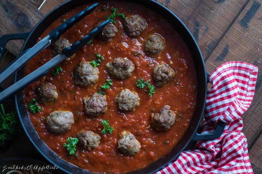 Fix auf dem Tisch: Spaghetti and Meatballs - Blitzrezept für Fleischbällchen in Tomatensauce
