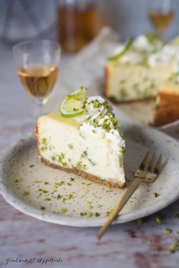 Einfaches Rezept für Cremiger Limetten-Pistazien-Ricotta-Cheesecake - Käsekuchen