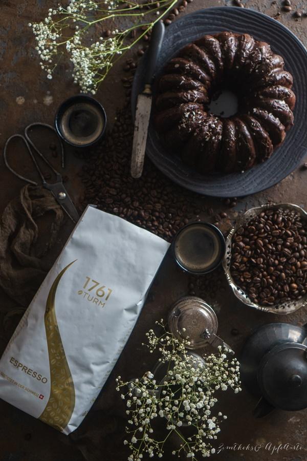 Einfaches und gelingsicheres Rezept für saftiger Schokoladen-Espresso-Kuchen