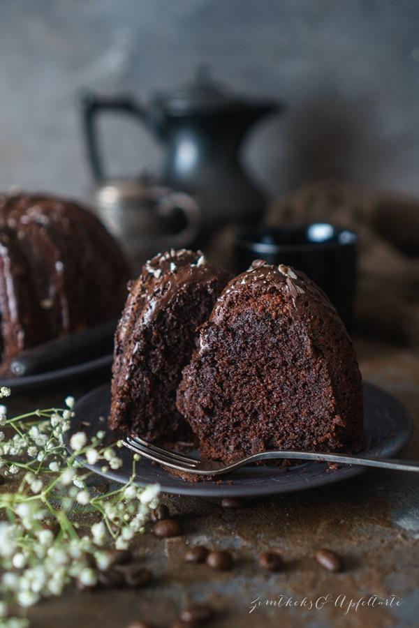 Saftiger Schokoladen-Espresso-Kuchen - super lecker, ganz einfach schnell und gelingsicher selber backen