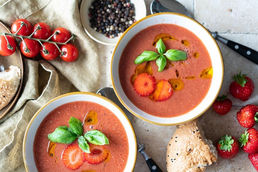 Fruchtige Gazpacho mit Erdbeeren - einfach schnell und lecker