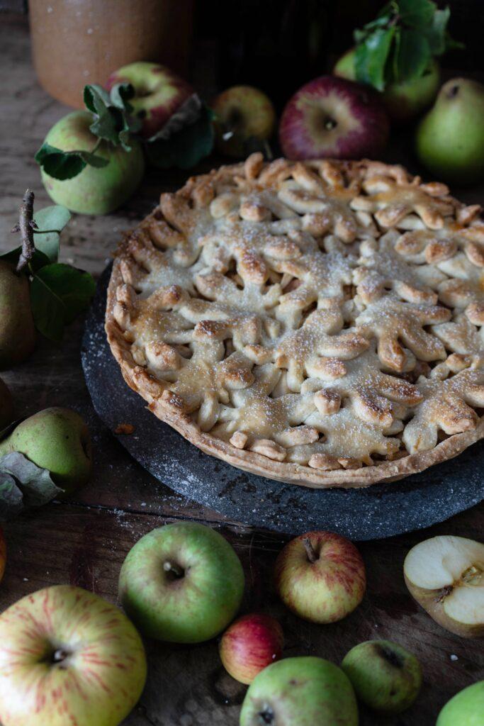 gedeckter Birnen-Apfel-Kuchen - Spiced Pear Apple Pie