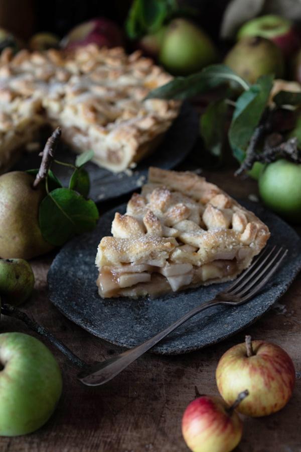 Gelingsicheres Rezept für gedeckter Birnen-Apfel-Kuchen - Spiced Pear Apple Pie
